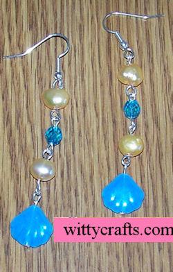 clam make beaded earrings