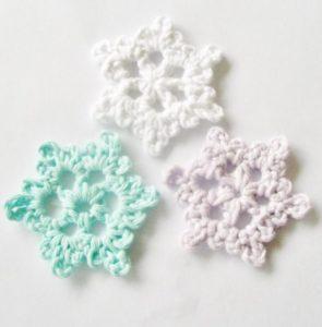 snowflake free crochet patten christmas ornament