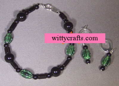 make beaded bracelet tutorial, black halloween bracelet
